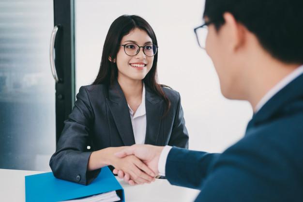 Dicas para se destacar na entrevista para o primeiro emprego....