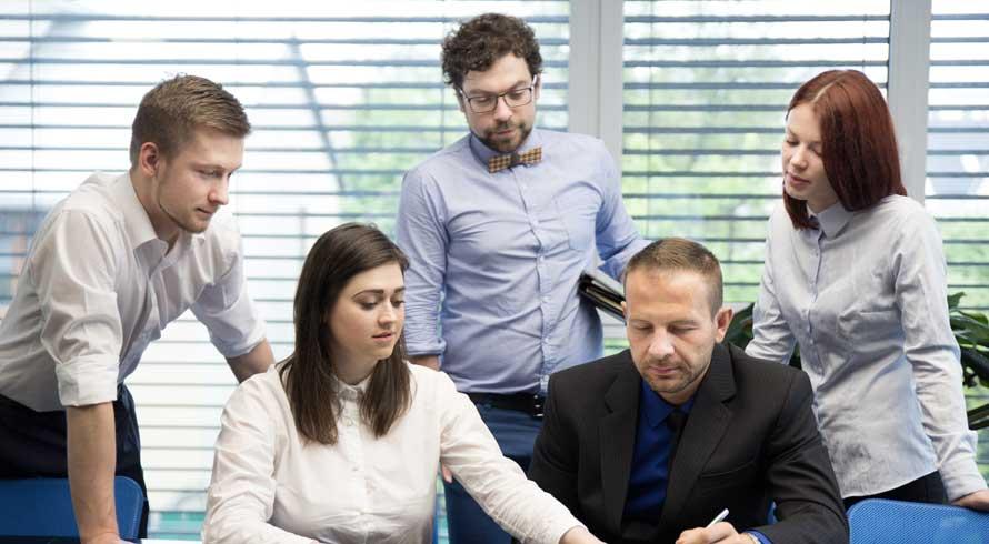 """Alcance o cargo executivo desejado! Confira o """"MBA em Gestão Empresarial"""", à distância, oferecido pela UCB"""