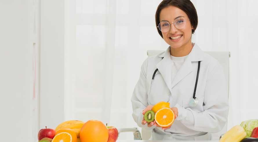 """""""Atendimento Nutricional no Envelhecimento"""": confira este e outros cursos de pós, à distância, oferecidos pela UCB"""