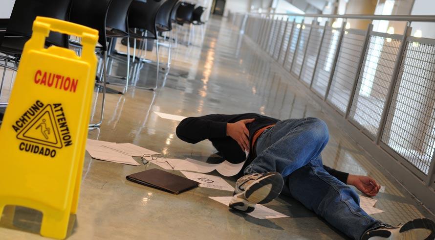Condições de trabalho precisam ser revistas, urgentemente, no Brasil. Por aqui, a cada 3 horas e 40 minutos, uma pessoa sofre acidente enquanto desempenha suas funções  profissionais