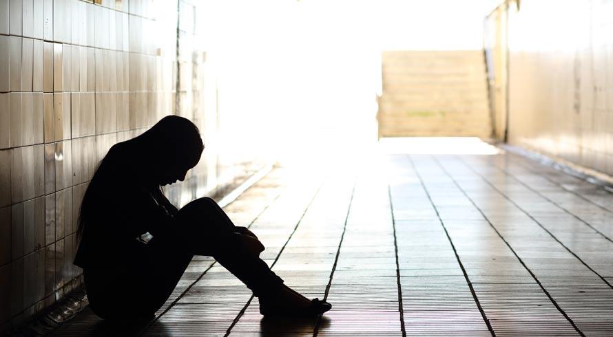 Depressão: pesquisa revela que 56% dos jovens têm vergonha de abordar o assunto na escola ou no trabalho
