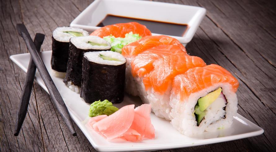 E na hora de compor o menu da dieta, a escolha é sushi. Será que a comida japonesa é, mesmo, saudável?