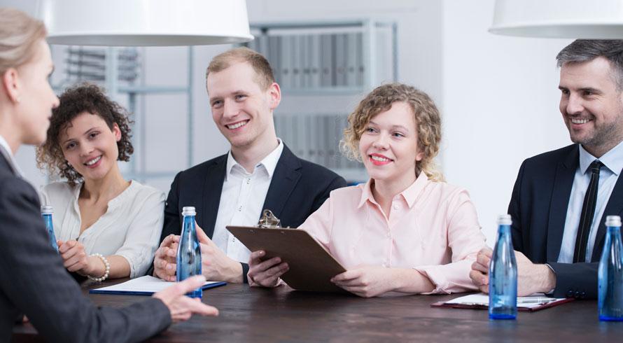 Especialistas do mercado afirmam: negociação salarial durante entrevista de emprego, mai...
