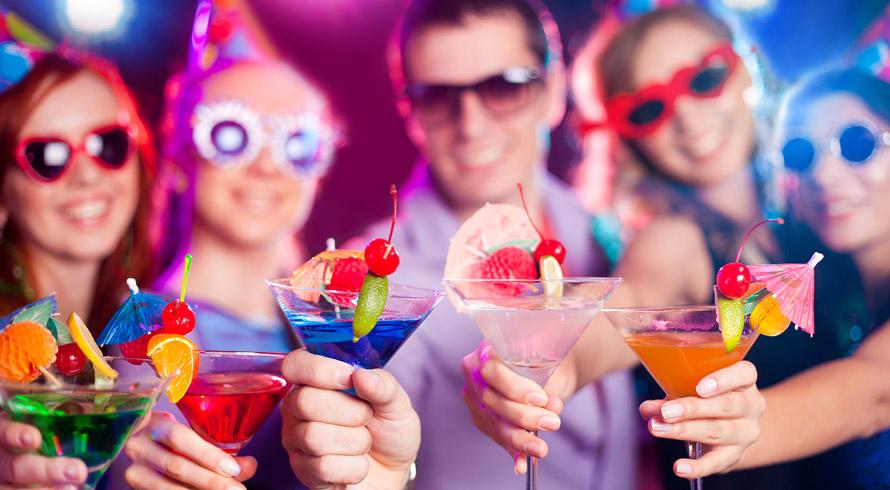 Estudo revela que 1 em cada 3 funcionários dão o que falar na festa da firma