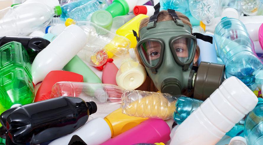 Produção de plástico biodegradável é meta de cientistas do mundo todo, inclusive brasileiros