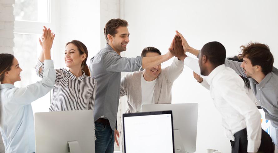 Qual a estratégia mais acertada para uma empresa crescer? A sinergia total entre os departamentos de Marketing e Vendas!