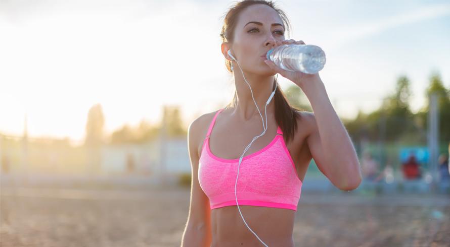 Sabe os fones de ouvido que você considera indispensáveis para a sua atividade física? Pois é, a Ciência concorda com você: eles ajudam a adiar a sensação de cansaço