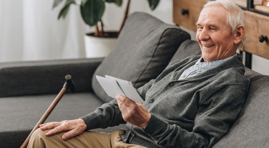 Saúde mental na velhice: estudiosos afirmam que aprender um segundo idioma é ferramenta importante para preservar as habilidades cognitivas