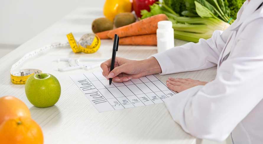 """UCB oferece curso de pós em """"Nutrição Clínica Avançada e Saúde Integral"""" à distância. Confira!"""