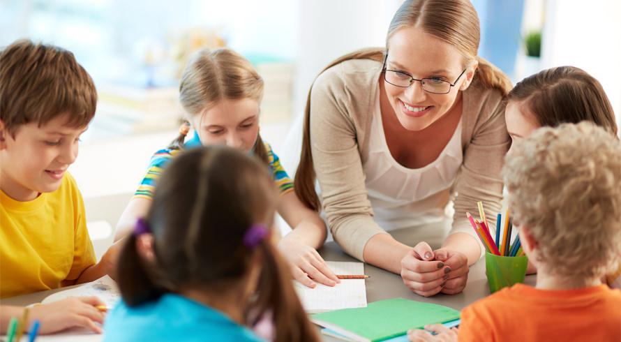 UCB oferece cinco cursos de pós-graduação, à distância, na área de Educação. Confira!