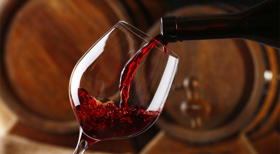 Uma taça de vinho ao dia faz bem para o coração? De acordo com estudo americano, só esta quantidade já é altamente prejudicial à saúde
