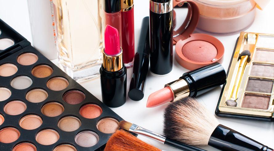 Usar maquiagem para praticar atividade física é prejudicial? Confira o que dermatologistas dizem a respeito