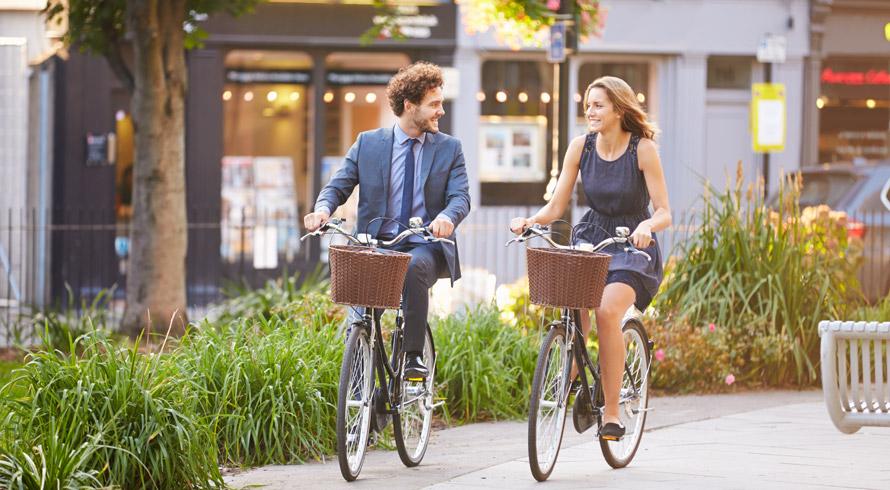 Bolonha, na Itália, dá cerveja e sorvete – grátis! – para usuários de bicicleta ou transporte público
