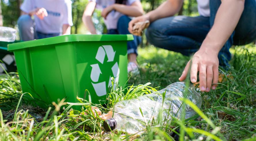 Estudantes de escola particular paulistana colocam em prática projeto que reduziu em 70% o volume de lixo descartado de forma irregular
