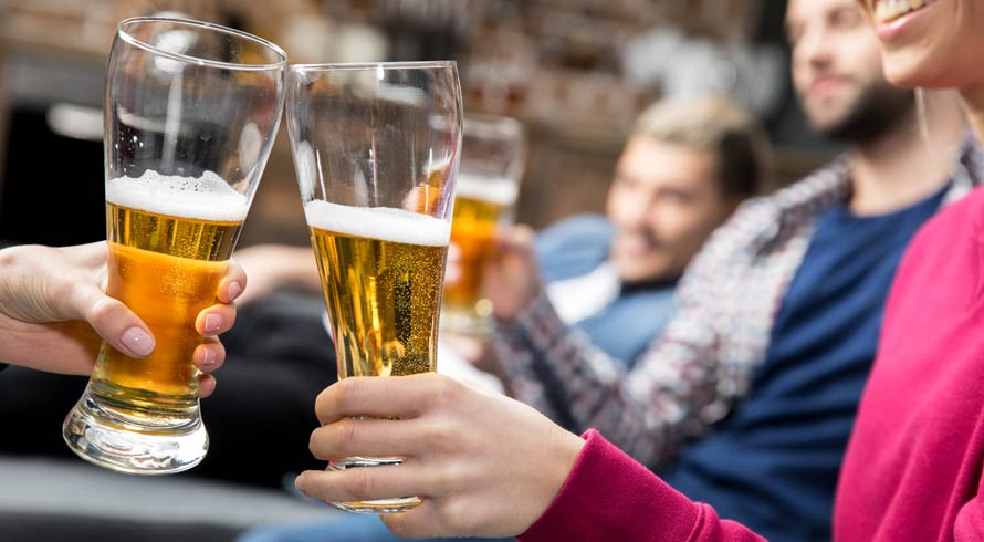 Você sabia que consumir cerveja te deixa mais atrativo para os pernilongos?