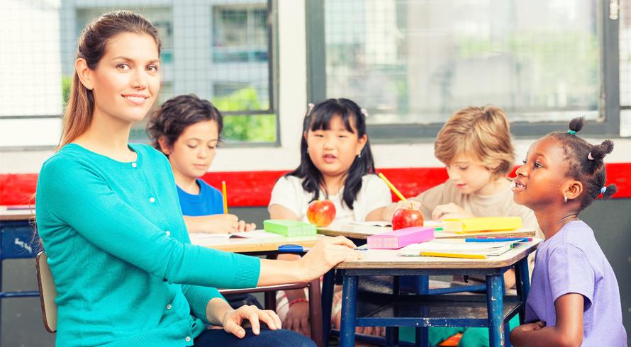 Prorrogação de curso de formação de professores pedida pelo MEC pode ter efeito contrário e fragilizar o processo