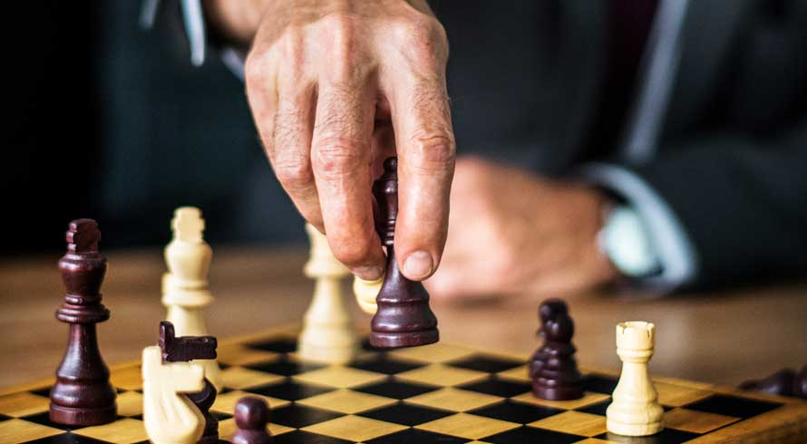 Xadrez traz inúmeros benefícios à saúde. Que tal fazer uma pós-graduação, à distância, sobre o jogo que estimula o cérebro?