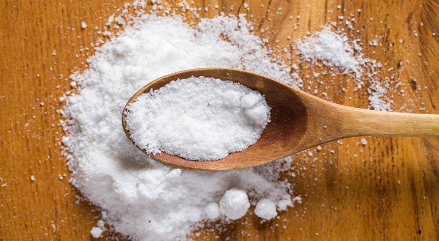 Brasileiros utilizam muito sal nas refeições. O excesso é prejudicial à saúde