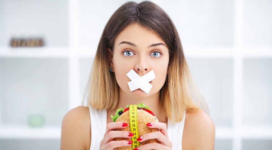 Cresce número de mulheres maduras que adotam recursos perigosos, como dietas severas, para manter o corpo