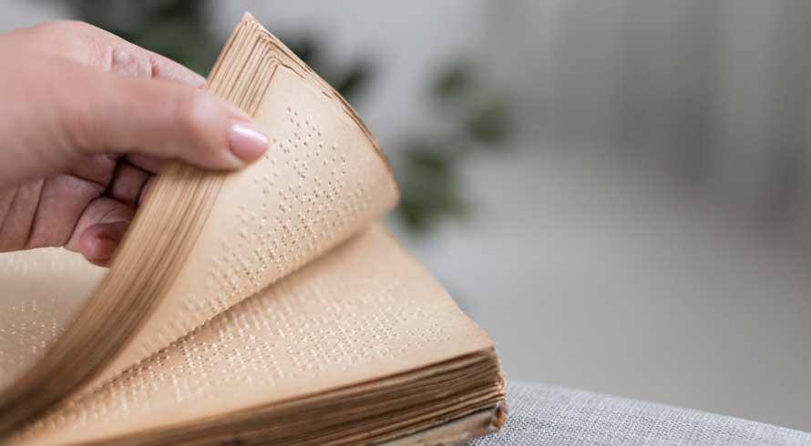 É preciso discutir, amplamente, a questão da alfabetização para crianças cegas