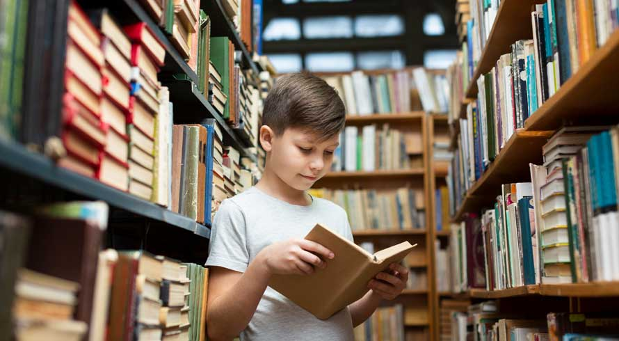 Estimular o hábito da leitura é fundamental para o desenvolvimento de uma criança