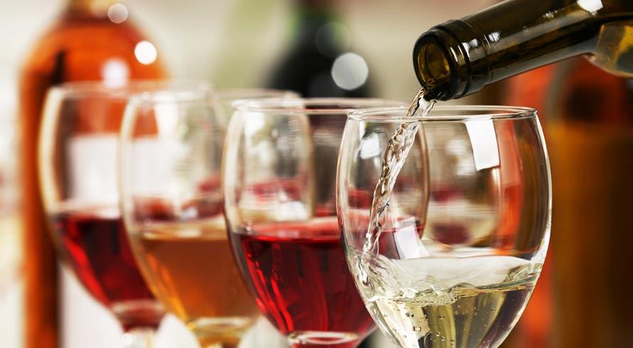 Estudo italiano revela que molécula do vinho e da maçã contribui para tratamento da leucemia