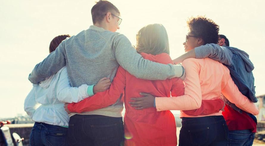 Quer cuidar bem da sua saúde e ajudar a combater o estresse (o dos outros e o seu)? Abrace!