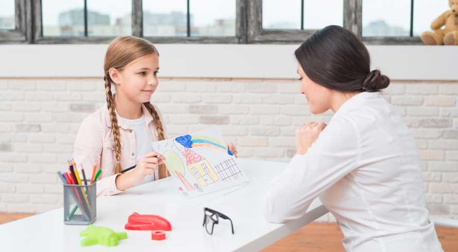"""UniRedentor oferece curso de pós-graduação, à distância, em """"Terapia Cognitivo-Comportamental com Crianças e Adolescentes"""". Confira!"""