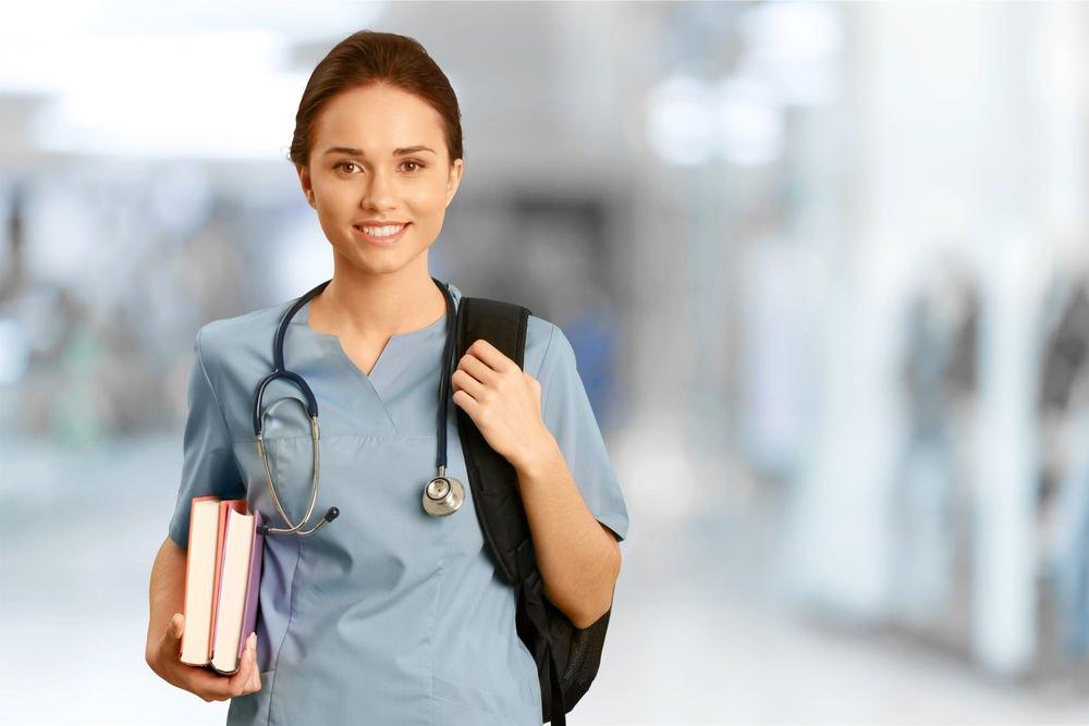 """UniRedentor oferece curso de pós em """"Enfermagem em Obstetrícia"""", na modalidade presencial. Faça 2018 ser muito mais válido, enfermeiro (a)!"""
