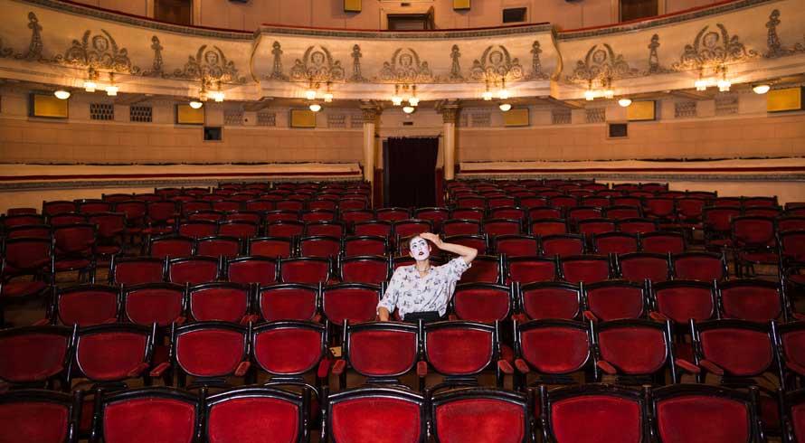 19 de agosto: um viva super especial para todos os artistas do teatro brasileiro!