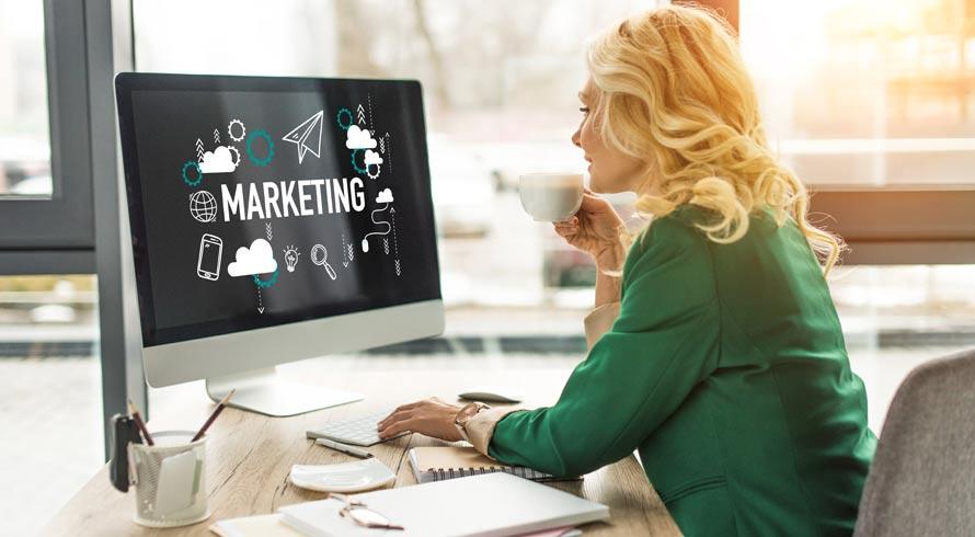 """Confira os cursos de pós-graduação, à distância, na área de """"Marketing e Comunicação"""", que a Unincor preparou especialmente para você!"""