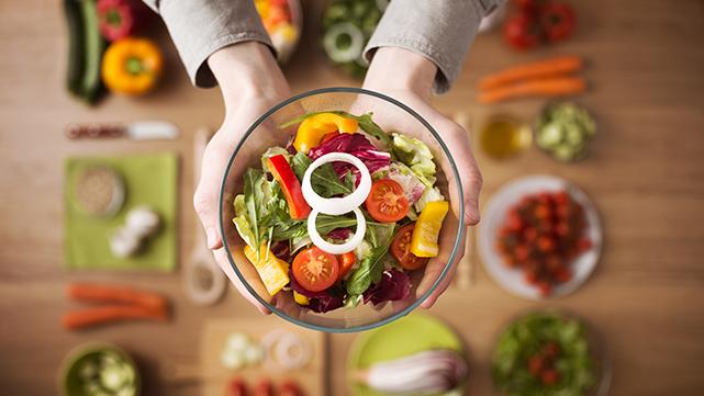 Conheça os alimentos que ajudam a controlar a ansiedade