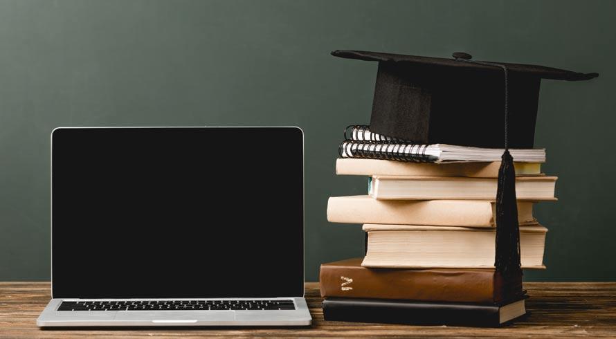 """Educador (a), a Unincor preparou um curso de pós, à distância, especialmente para você: """"Tecnologias Aplicadas à Educação"""""""