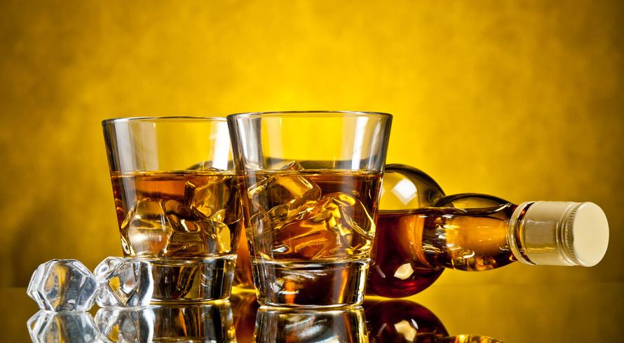 Estudo americano revela que consumo excessivo de bebida alcoólica altera genes responsáveis pelo relógio biológico e pela regulação do estresse