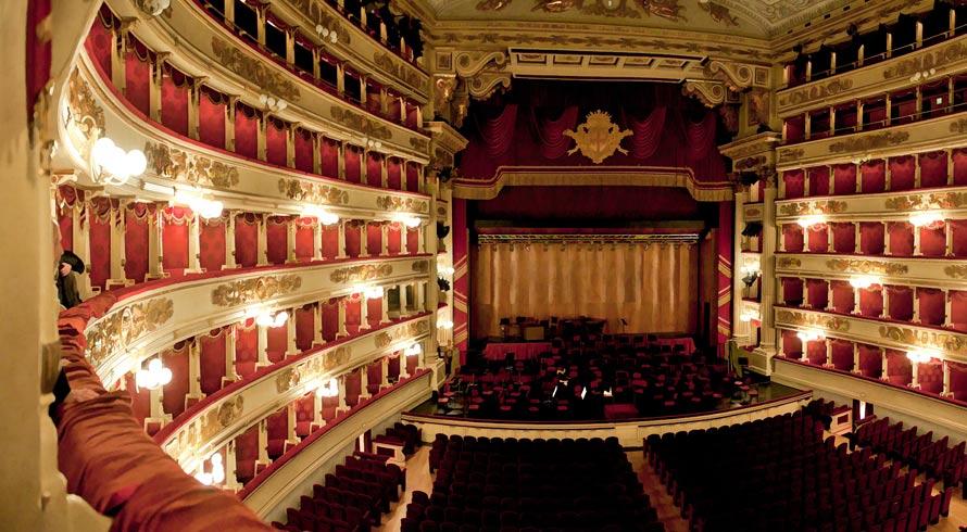 Festa! Neste 19 de setembro celebramos o Dia Nacional do Teatro