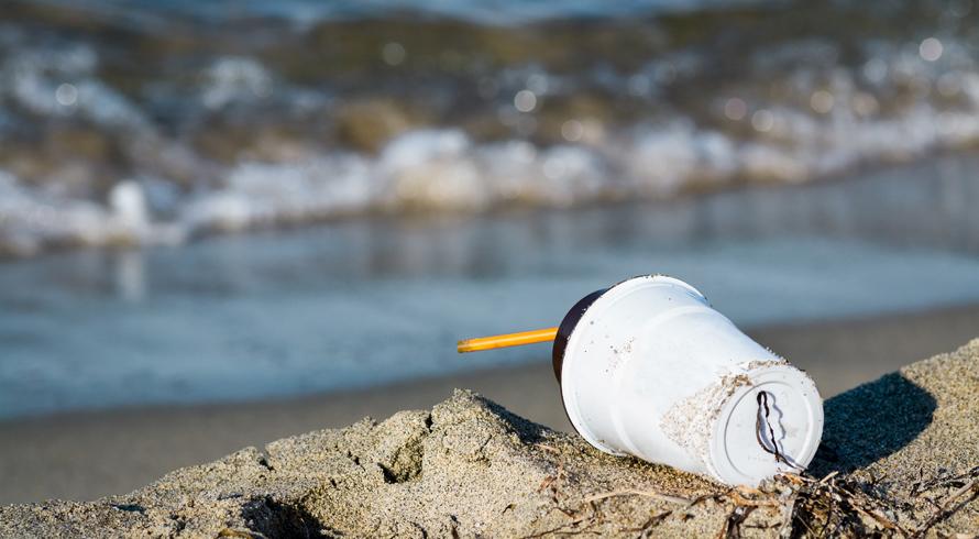 Grande operação de limpeza no Oceano Pacífico pretende extrair poluição plástica das...