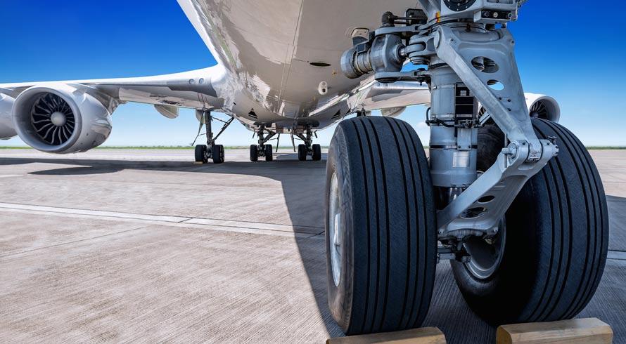 Pressão e calor: como os pneus dos aviões aguentam as respectivas amplificações no momento da aterrissagem?