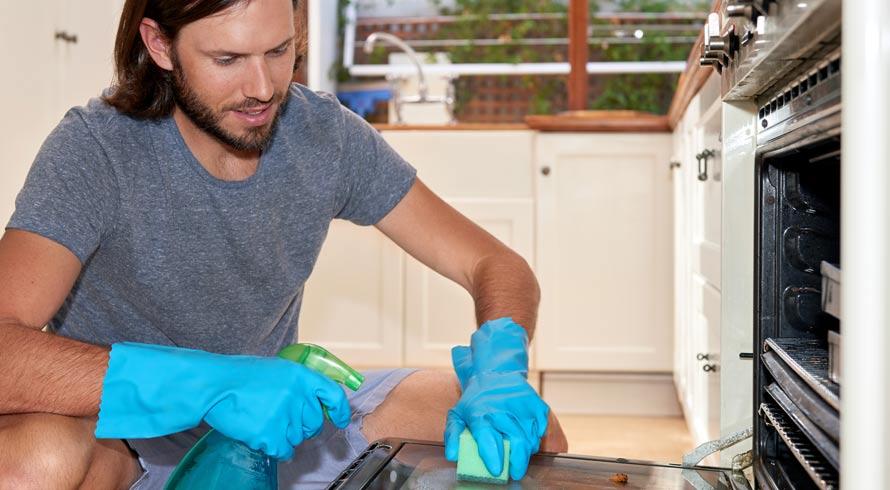 Tarefas domésticas, consideradas atividades físicas leves, são importantes ferramentas ...