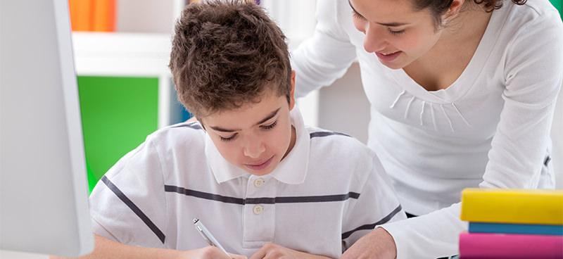 """Unincor oferece curso de pós-graduação em """"Alfabetização e Letramento"""". Aproveite, professor(a)! É a sua chance de aprimoramento!"""