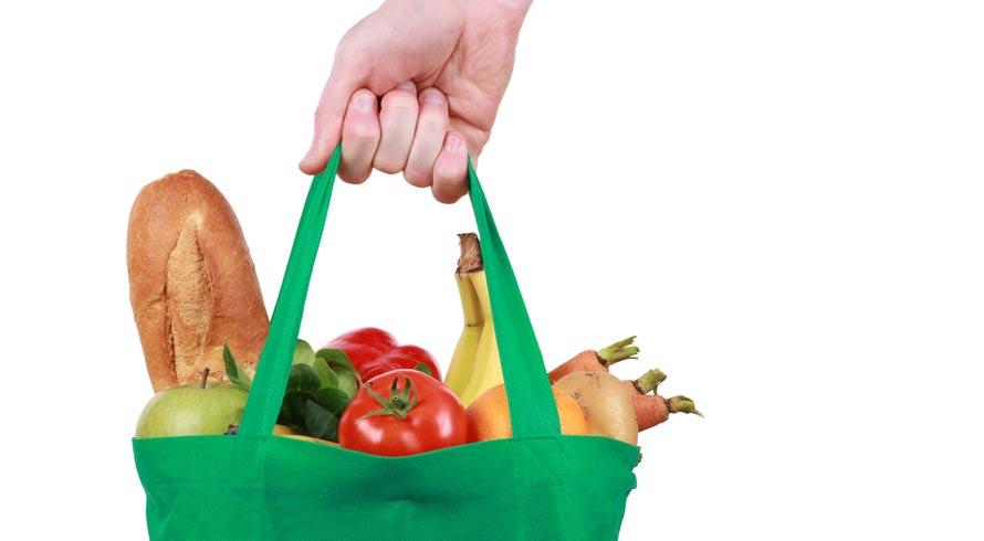 Você já parou para observar o tamanho dos utensílios usados para pegar comida que tem em sua casa? Já parou, também, para pensar que isso interfere, e muito, na quantidade que você come?