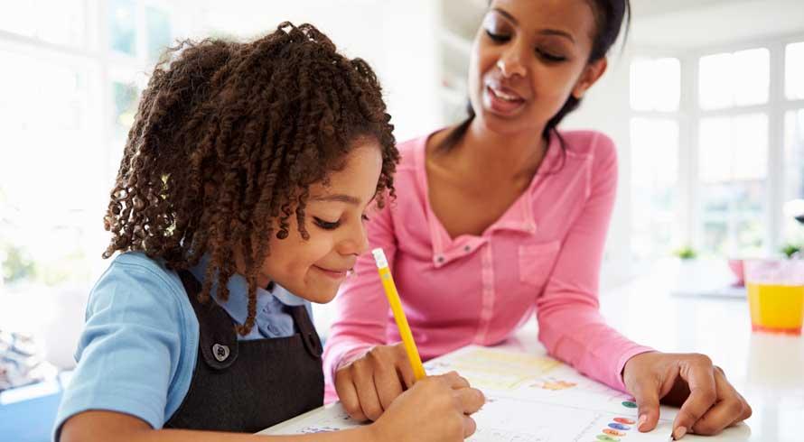 """Excelência em Educação: Universila oferece curso de pós, EAD, em """"Alfabetização e Letramento de Crianças, Jovens e Adultos"""""""