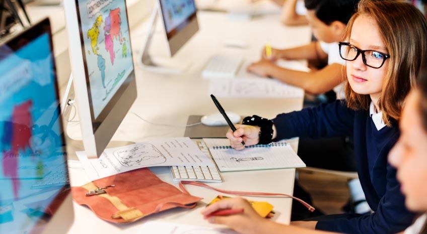 INOVAÇÃO E TECNOLOGIA NA EDUCAÇÃO