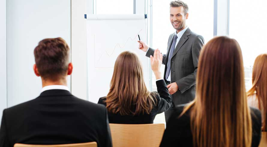"""Procurando aprimoramento na área de Administração? A Universila apresenta seu """"MBA em Gestão Pública"""", à distância"""